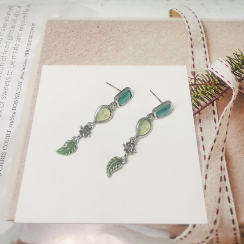 Green Austrian Crystal Vintage Style Drop Earrings 2011219