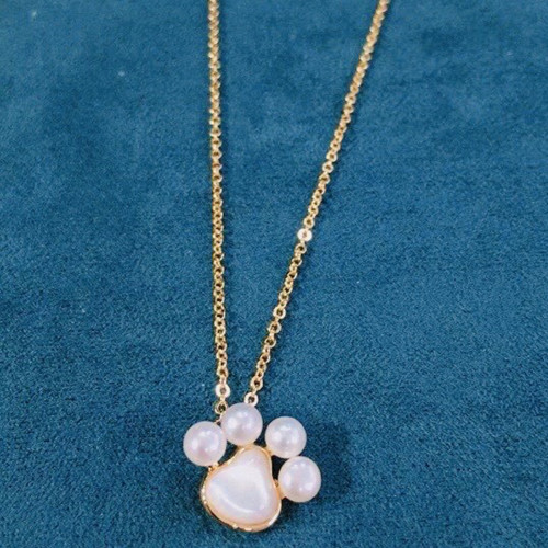Cat's Paw of Freshwater Pearl and Shell Elegant Style Necklace PR2012002