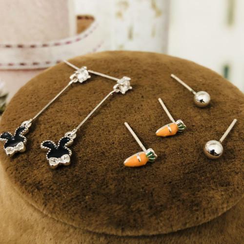 Rabbit Carrot Earrings Set ES2012011