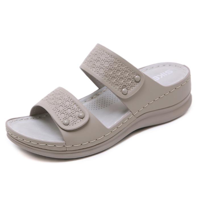 2020 New Woman Anti-slip Beach Sandals