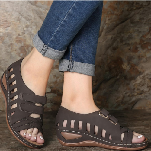 2020 New And Fashional Women Peep Toe Hollow Out Breathable Casual Wedges Sandals