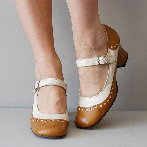 Chunky Heel Closed Toe Mary Jane Buckle Strap Sandals