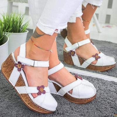 Fashionable comfortable platform sandals