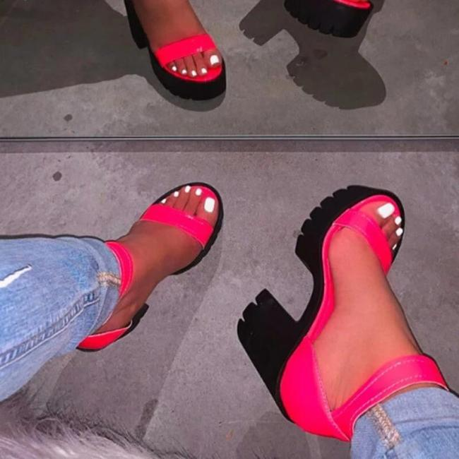 Women Large Size Ankle Strap Platform Chunky Sandals