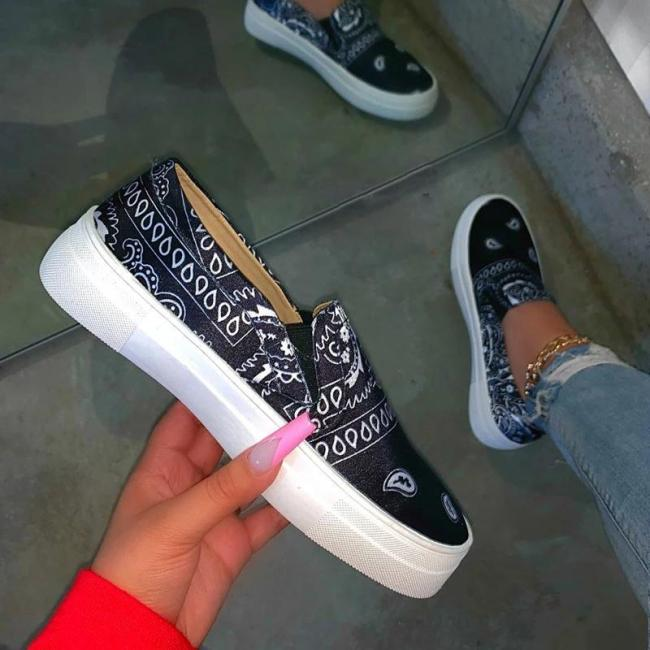 Women Fabric Characteristic Pattern Slip On Platform Skate Loafers Sneakers