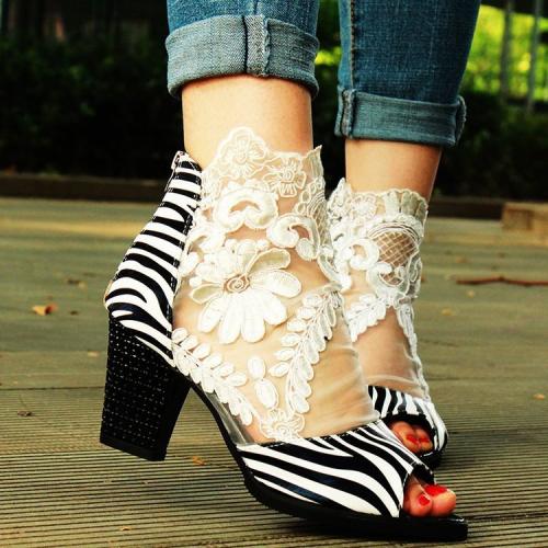 Zipper Chunky Heel Peep Toe Heel Covering High-Cut Upper Sandals