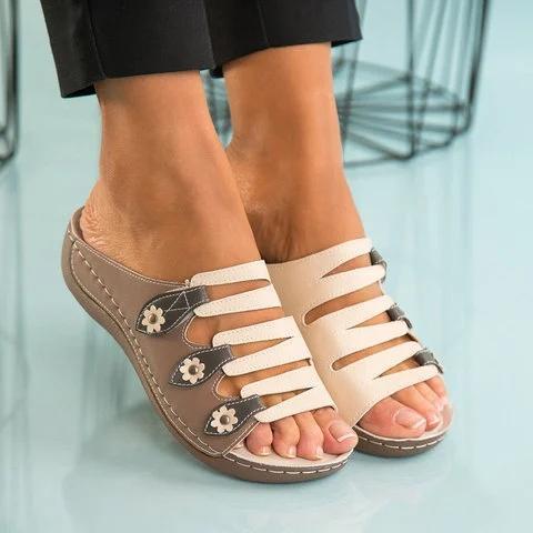 Artificial Leather Summer Block Heel Rivet Slippers