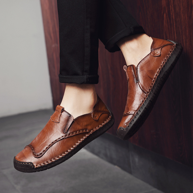 Men's Retro Hand Stitching Leather Non Slip Soft Sole Casual Flats