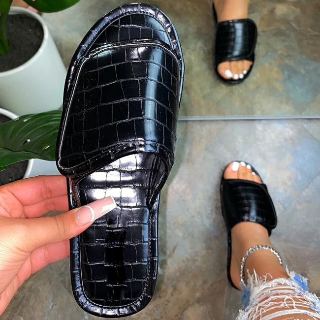 Flat Heel North Velcro Sandals