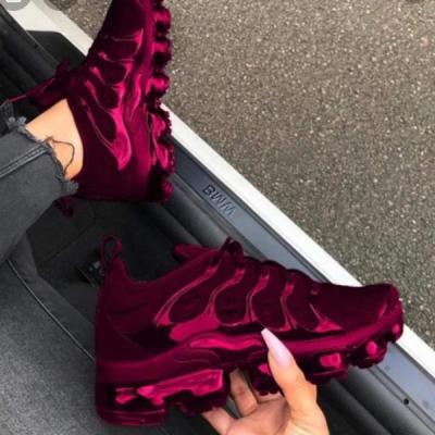 Plus Solid Color Burgundy Sneakers