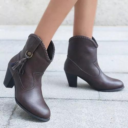 Women Closed Toe Chunky Heel Boots