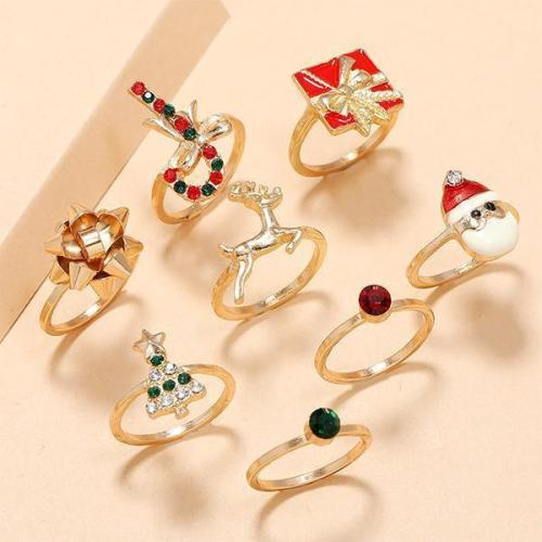 Carved Gem Christmas Ring Sets
