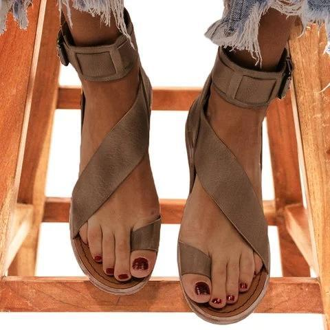 2021 Fashion Flip-flops Flat Heel Buckle Strap Sandals