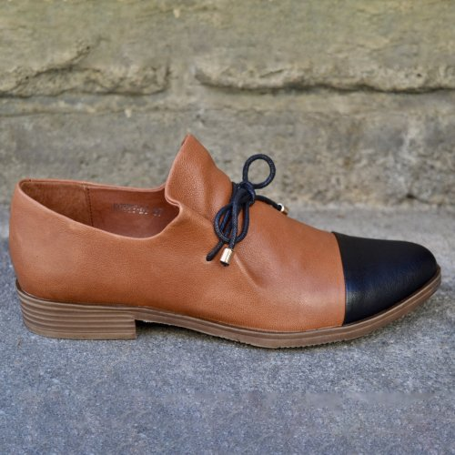 Leather Uppers Slip on Entry Shoes