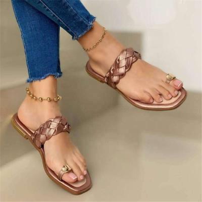 Flat Heel Ring Toe Sandals