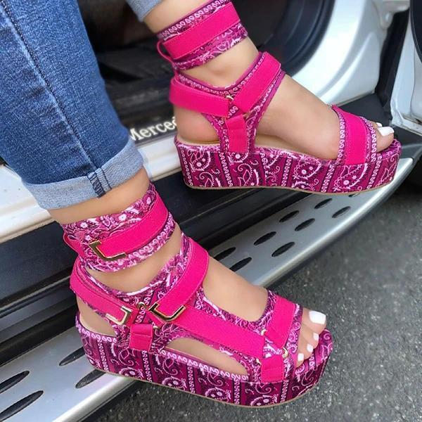 **Pattern Graffiti Trend Fashion Sandals