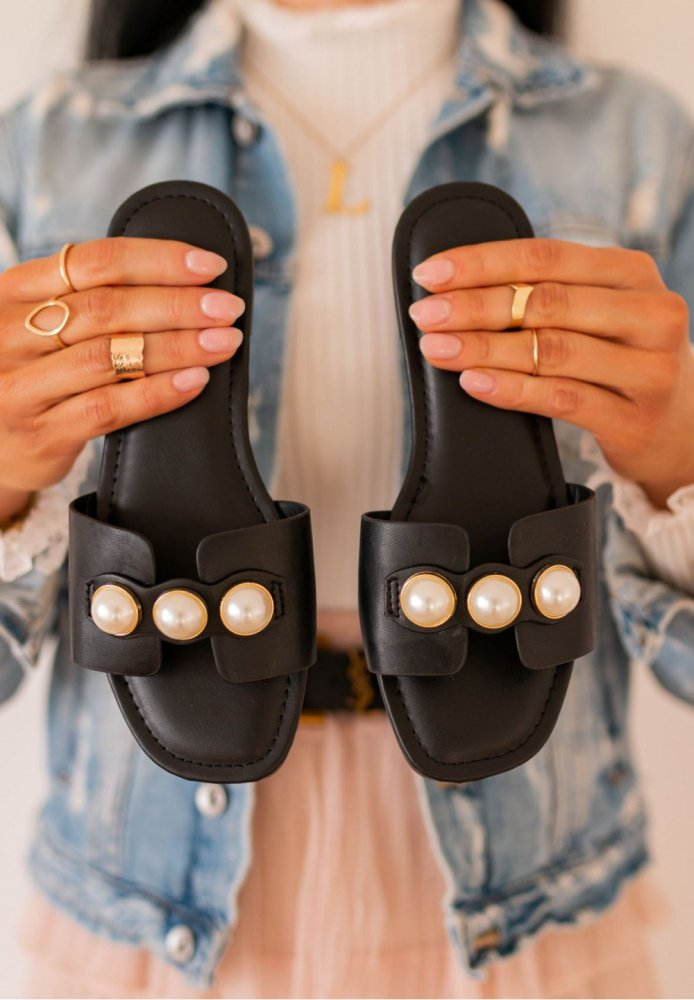 Women's Fashion Caprice Slippers With Pearls