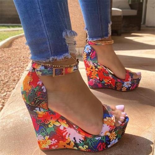 Printed Tropical Style Platform Sandals