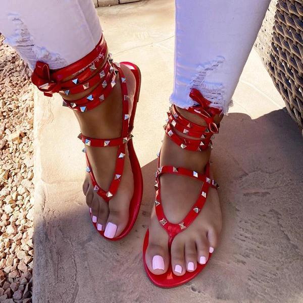 Women Design Rivet Strap Shiny Sandals