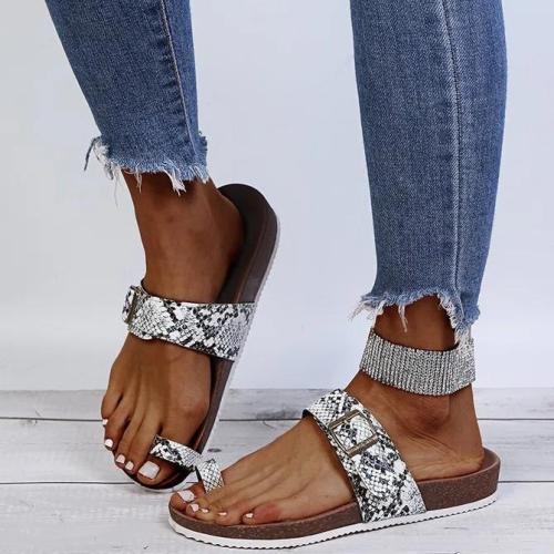Buckle Flip-flops
