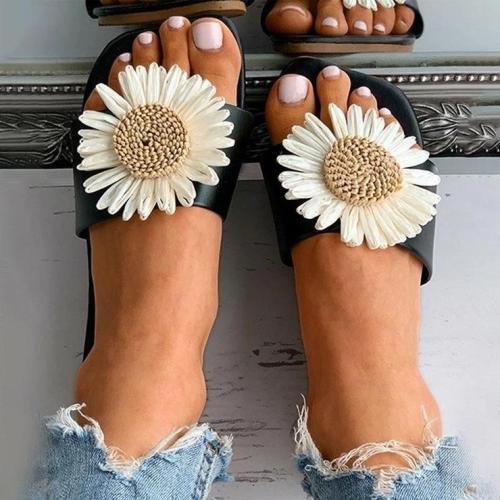 Daisy Pattern Square Toe Flat Sandals