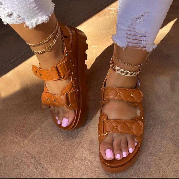 Solid Rivet Decortion Platform Sandals