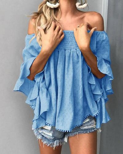 Elegant Blouse With Neckline And Flared Three-quarter Sleeves