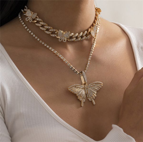 2PCS Butterfly Pendant Studded Charm Necklace