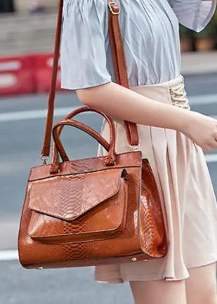 Women Snake Pattern Tote Bag Casual Large Capacity Crossbody Bag