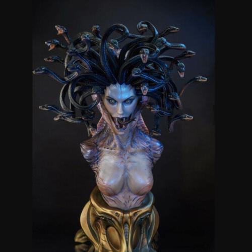 Snake head beauty sculpture🐍--Medusa