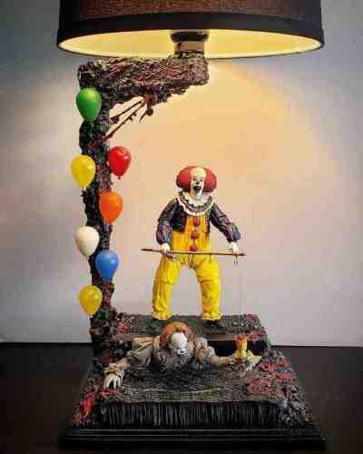 Creative Dancing Clown Table Lamp