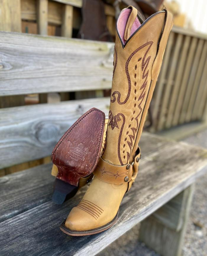Women's The Vagabond Harness Mustard Snip Toe Western Boots
