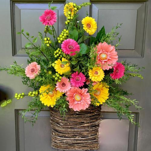 Gerbera daisy door basket-The flowerpot door wreath is unique!
