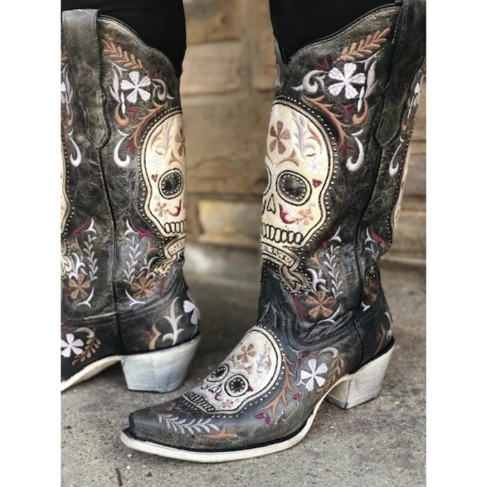 Street Personality Skull Embroidered Cowboy Boots