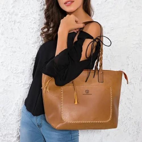 Large Capacity Vintage Shoulder Tote Bag Tassel Leather Handbag
