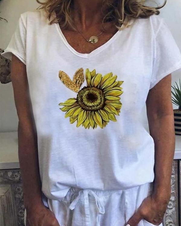 Daisy Print V Neck T-Shirt