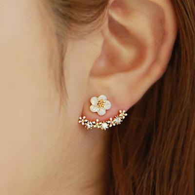 Small Daisy Flower Earrings