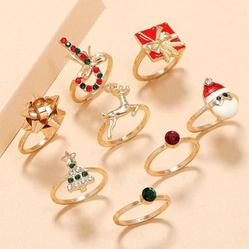 Carved Gem Christmas Ring Sets