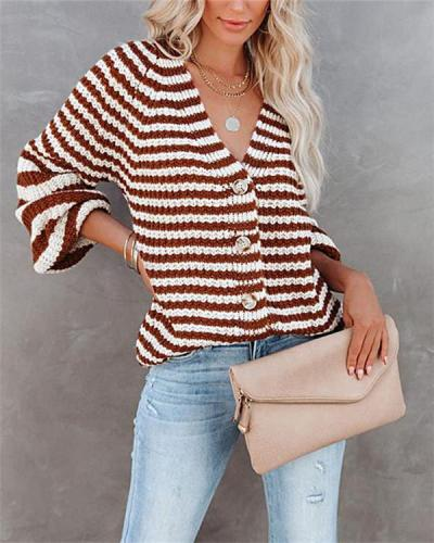 Single-breasted V-neck cardigan sweater