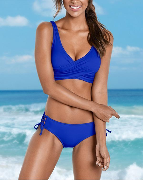 Solid Color Retro Twist Front Bikini Set