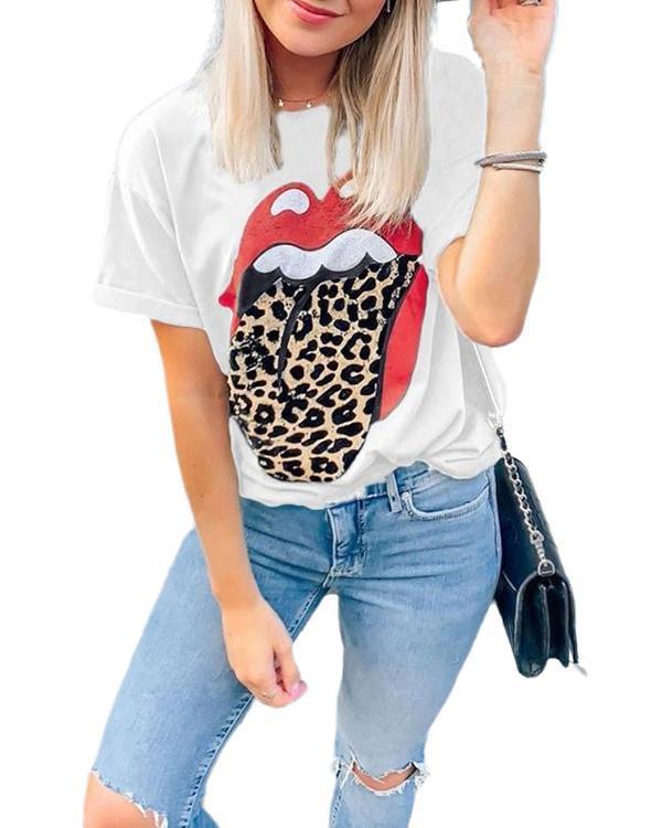 Women Lip Printed Leopard T-shirt
