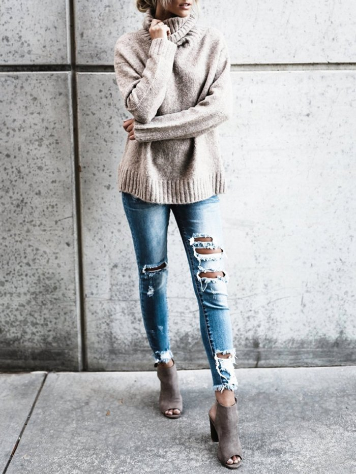 Chic Turtle Neck Knitted Sweater