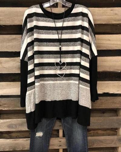 Women's Black Stripe Plus Size T-shirt without Necklace