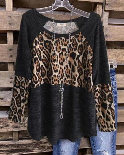 Women's Black Leopard Plus Size T-shirt without Necklace