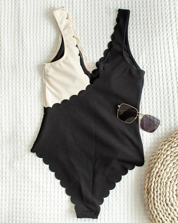 Sexy Color Matching Pleated One Piece Women's Swimsuit