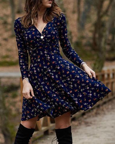Long Sleeve Vintage Print A-line V Neck Dresses