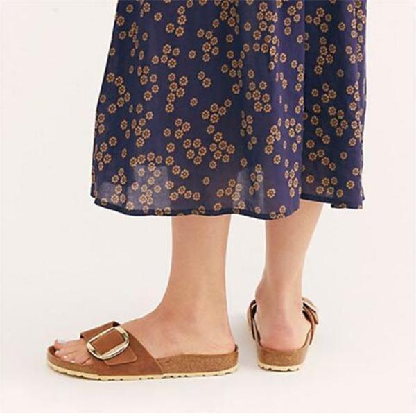Women's Flat Bottom Fashion Button Slippers