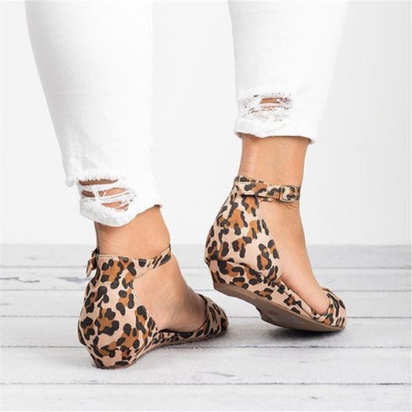 Casual Leopard Adjustable Buckle Sandals