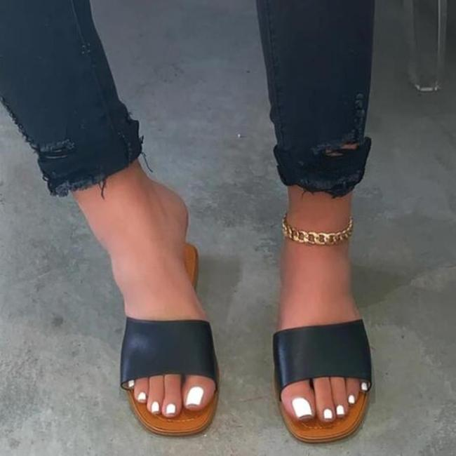 Flat With Slip-On Summer Slippers