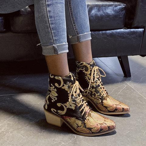 Plus Size Chunky Heel Vintage Flowers Embroidery Mid Boots